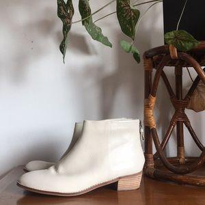 Kelsi Dagger ankle boot